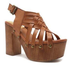 Qupid strappy heels